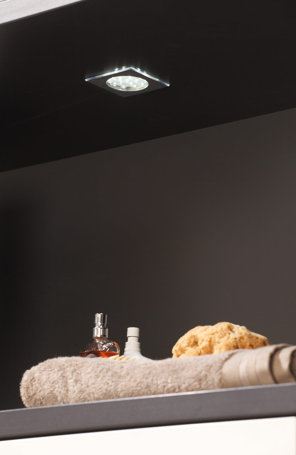 InVIDO Inspiration Regal Licht